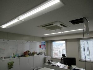 施工写真「オフィス内LAN配線工事・アクセスポイント取付」